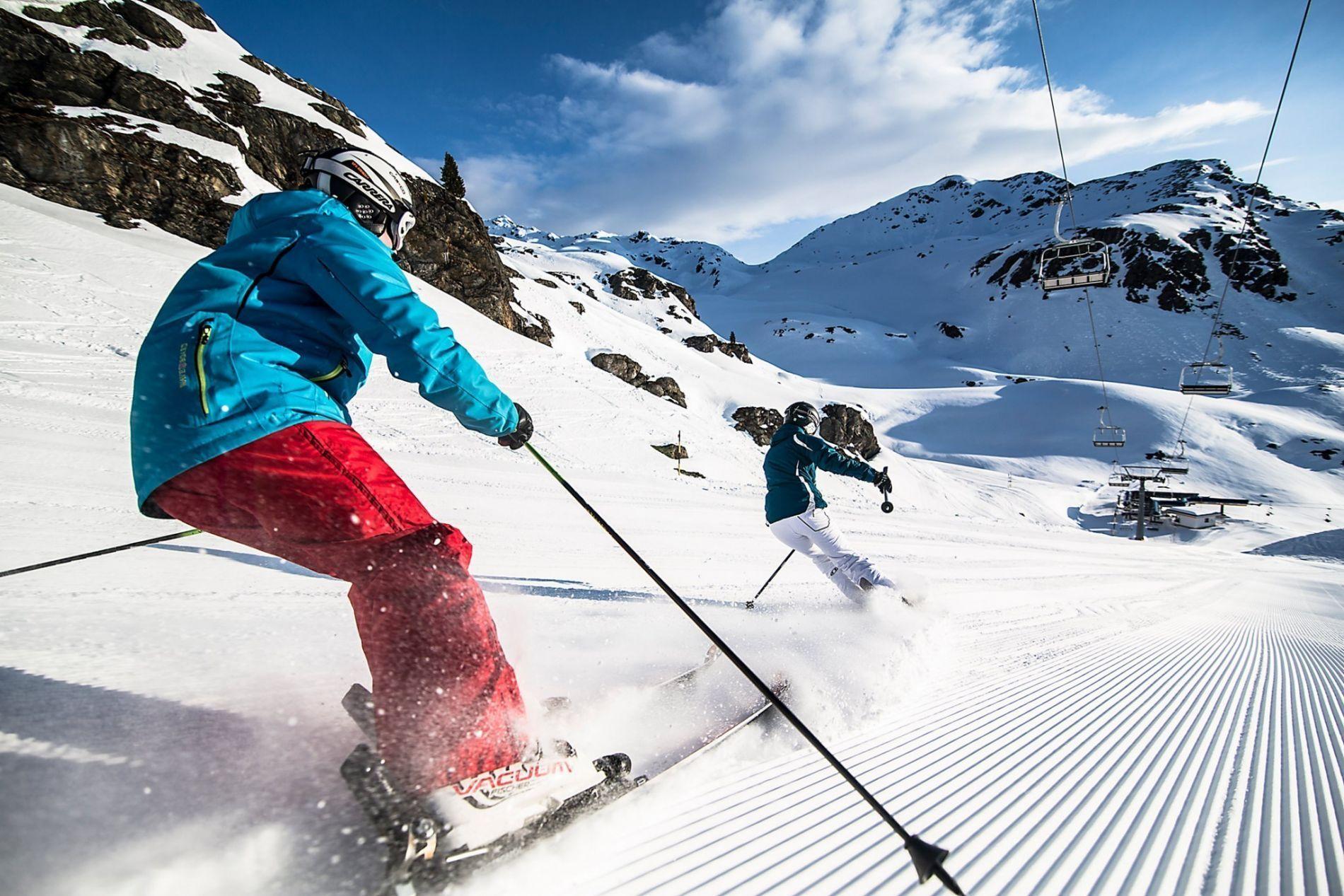 za_rasanter_skifahrer_72dpi